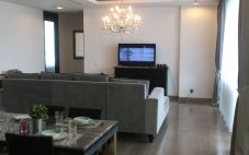Sewa Penthouse Bloomington Tower Kemang Village